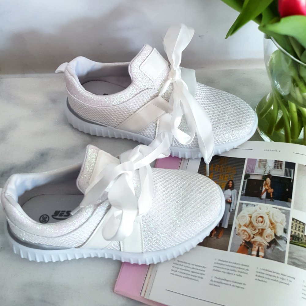 Buty Bow White